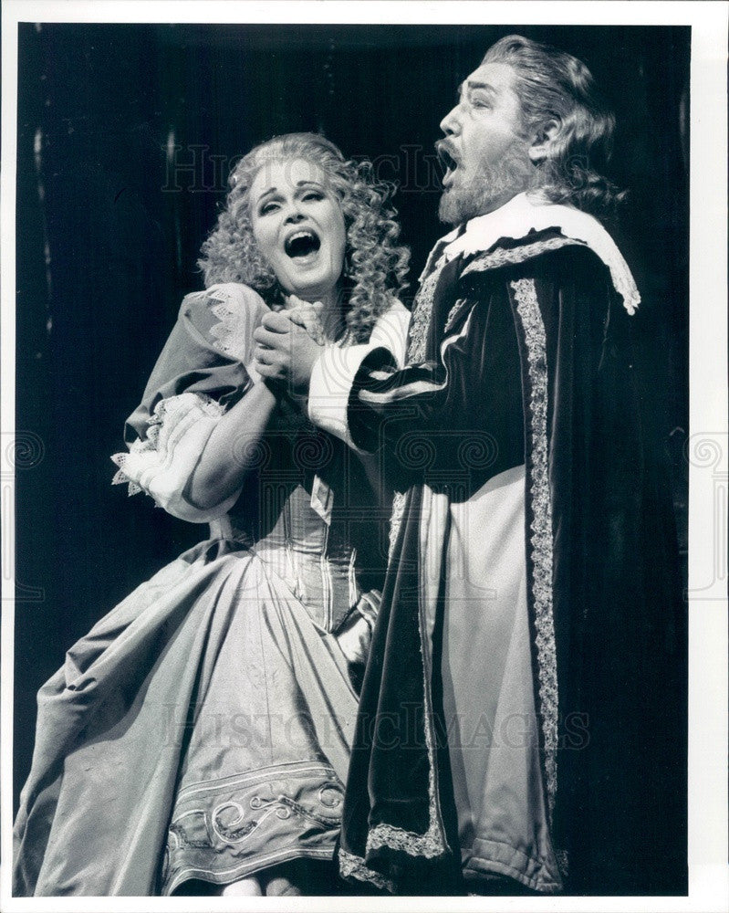 Undated Chicago, IL Lyric Opera June Anderson & Dimitri Kavrakos Press Photo - Historic Images