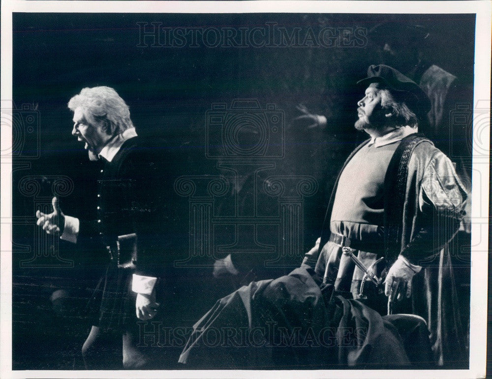 1990 Chicago, Illinois Lyric Opera Leo Nucci in Rigoletto Press Photo - Historic Images