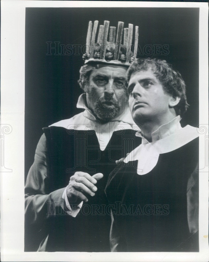 1971 Actors Philip Kerr & Laurence Hugo in Hamlet Press Photo - Historic Images