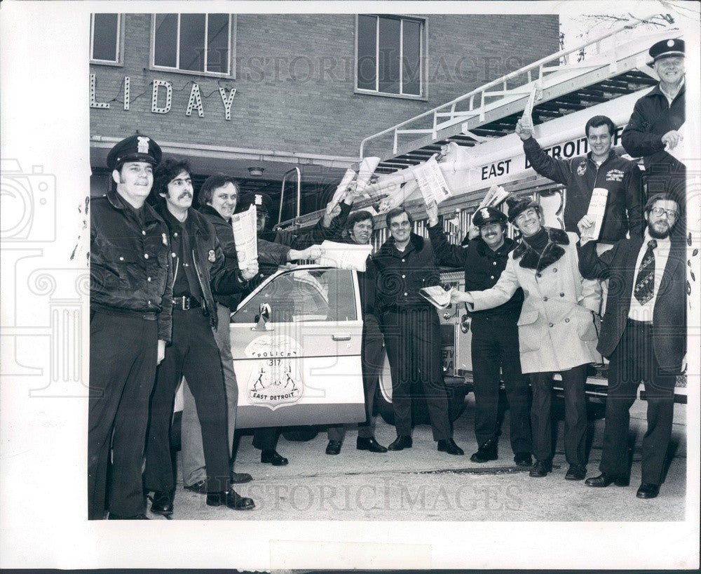 1976 Detroit, Michigan East Detroit Old Newsboys Goodfellows Press Photo - Historic Images