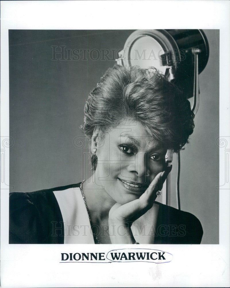 Undated American Hollywood Singer/Actress Dionne Warwick Press Photo - Historic Images