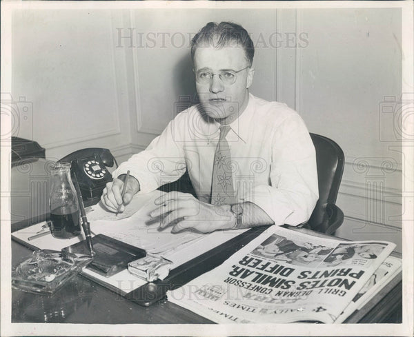 1946 Chicago Daily Times City Editor Karin Walsh Press Photo - Historic Images