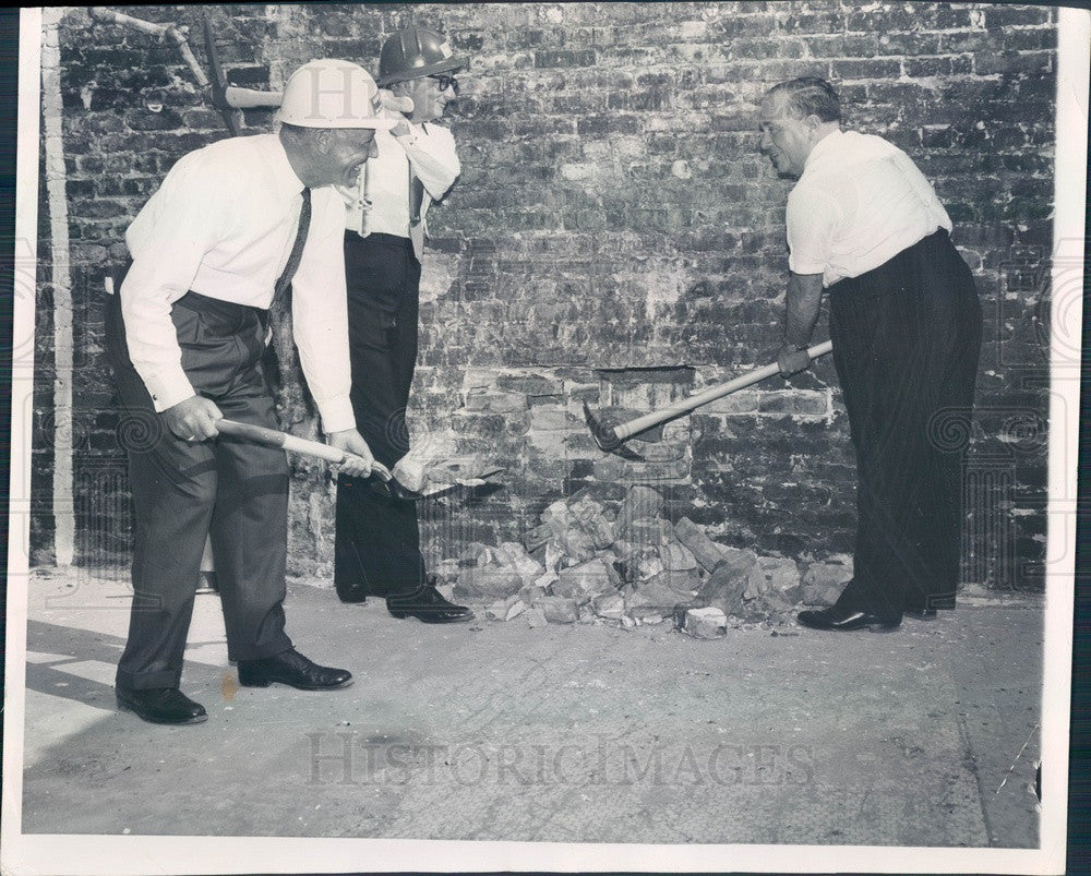 1962 Chicago, Illinois Loop Pedestrian Tunnel Groundbreaking Press Photo - Historic Images