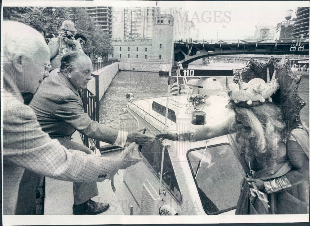 1976 Chicago, Illinois Lakefront Festival King Neptune, Mayor Daley Press Photo - Historic Images