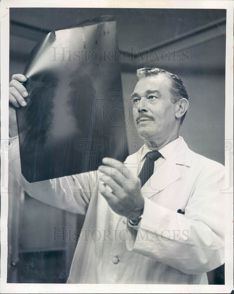 1953 Hollywood Actor Melville Ruick Dr Barton Crane in City Hospital Press Photo - Historic Images