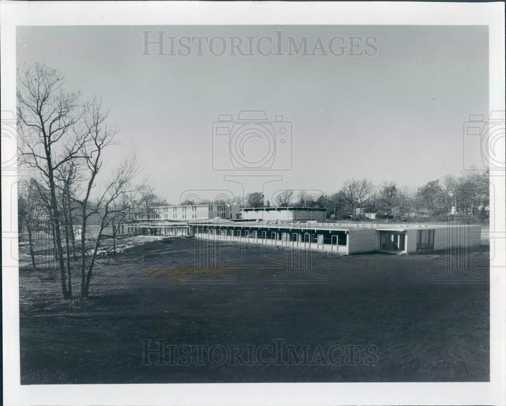 1961 Lake Forest, Illinois Woodlands Academy of the Sacred Heart Press Photo - Historic Images