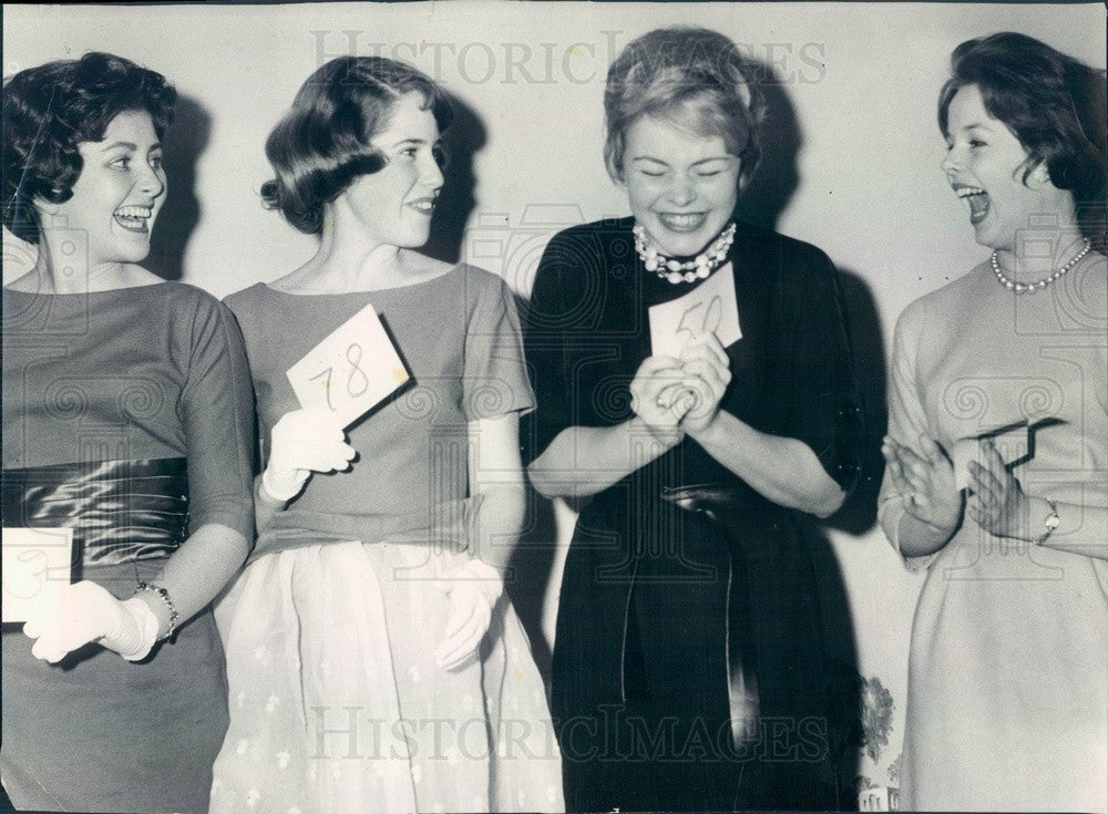 1961 Chicago, Illinois St Patrick's Day Queen Patti McLean Press Photo - Historic Images