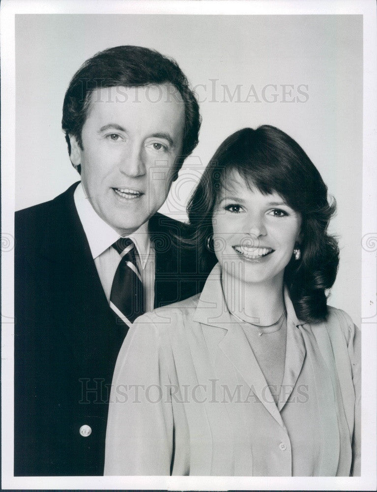 1981 TV Hosts David Frost & Sandy Hill Press Photo - Historic Images