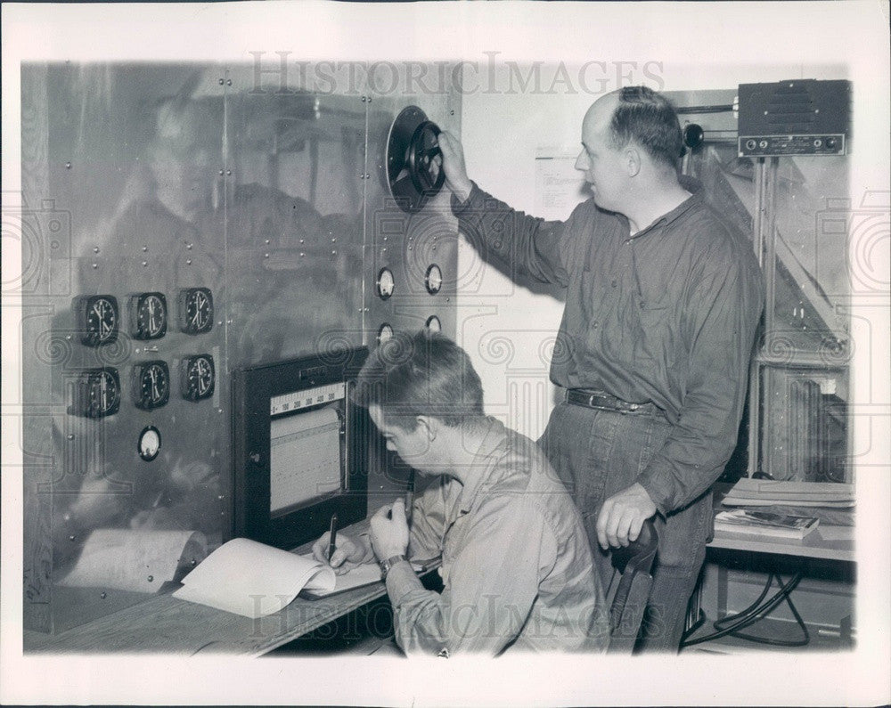 1947 Mount Washington, NH De-Icing Research, Instrument Panel Press Photo - Historic Images