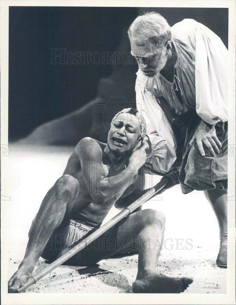 Undated Hollywood Actor Max Von Sydow & Cyril Nri in The Tempest Press Photo - Historic Images