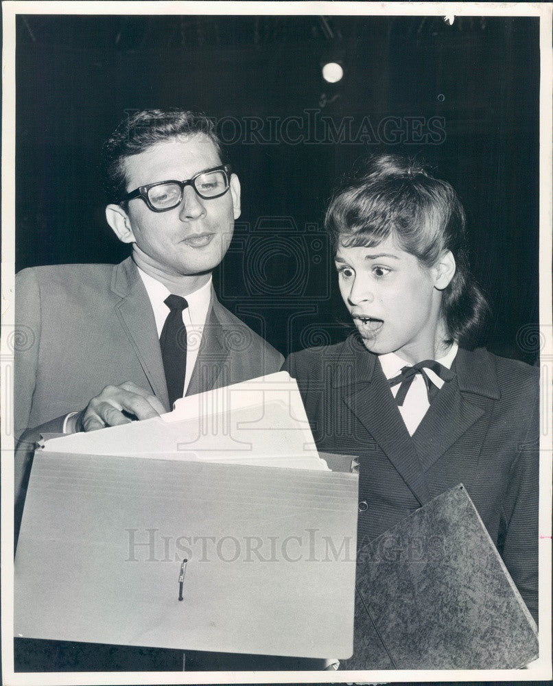 1964 Actors Charles Cilona & Marlene Paulette in A Thousand Clowns Press Photo - Historic Images