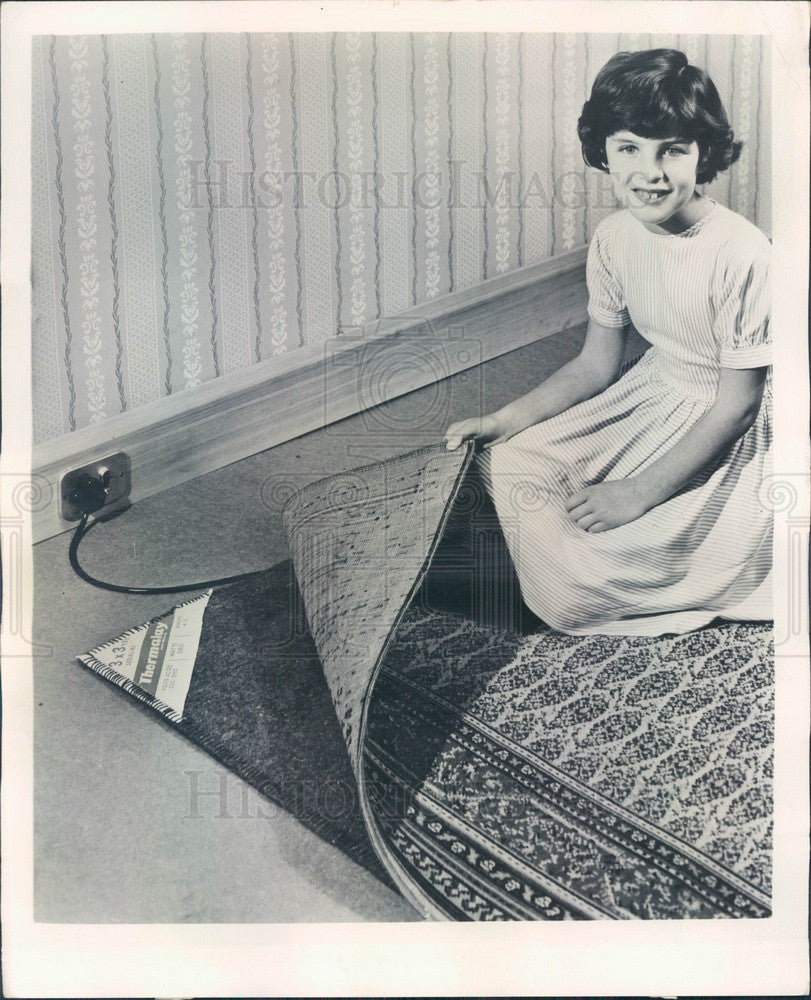 1958 Britain Heated Carpet Padding Press Photo - Historic Images