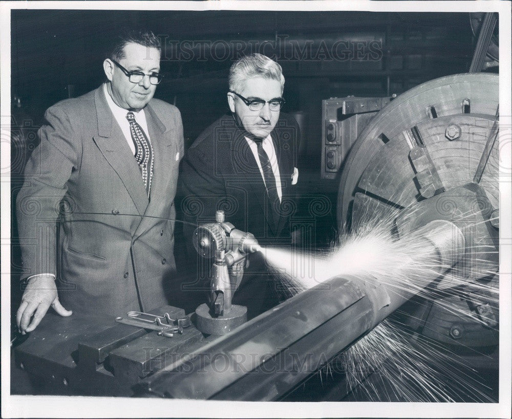 1958 Detroit, Michigan Industrialist Knowles Smith & Albert Lindsey Press Photo - Historic Images