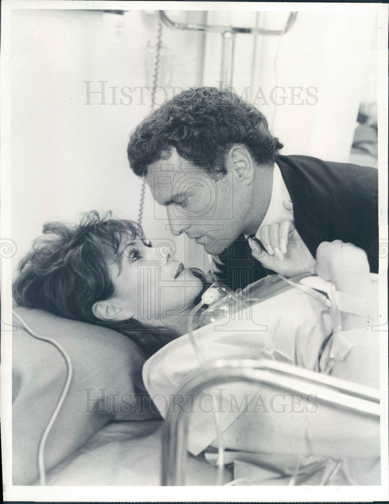 1984 Hollywood Actors Kevin Dobson & Michele Lee in Knot's Landing Press Photo - Historic Images