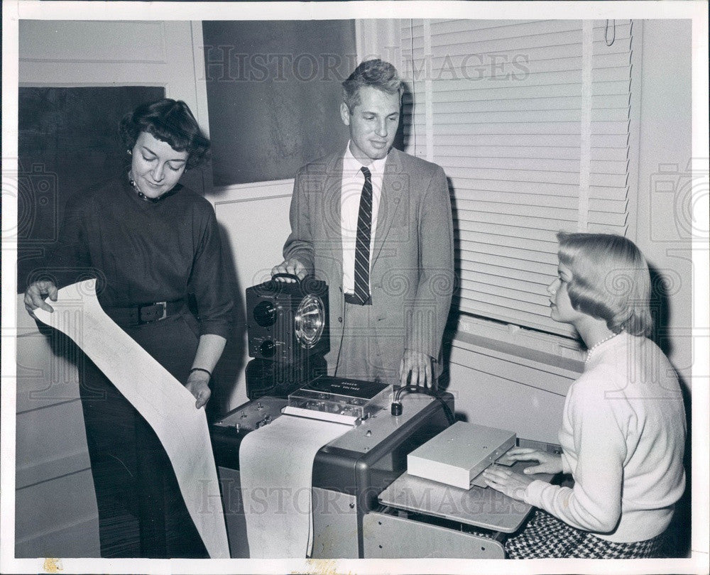 1960 CO Univ Psychology Professors Nell Fahrion & Dr. Howard Gruber Press Photo - Historic Images