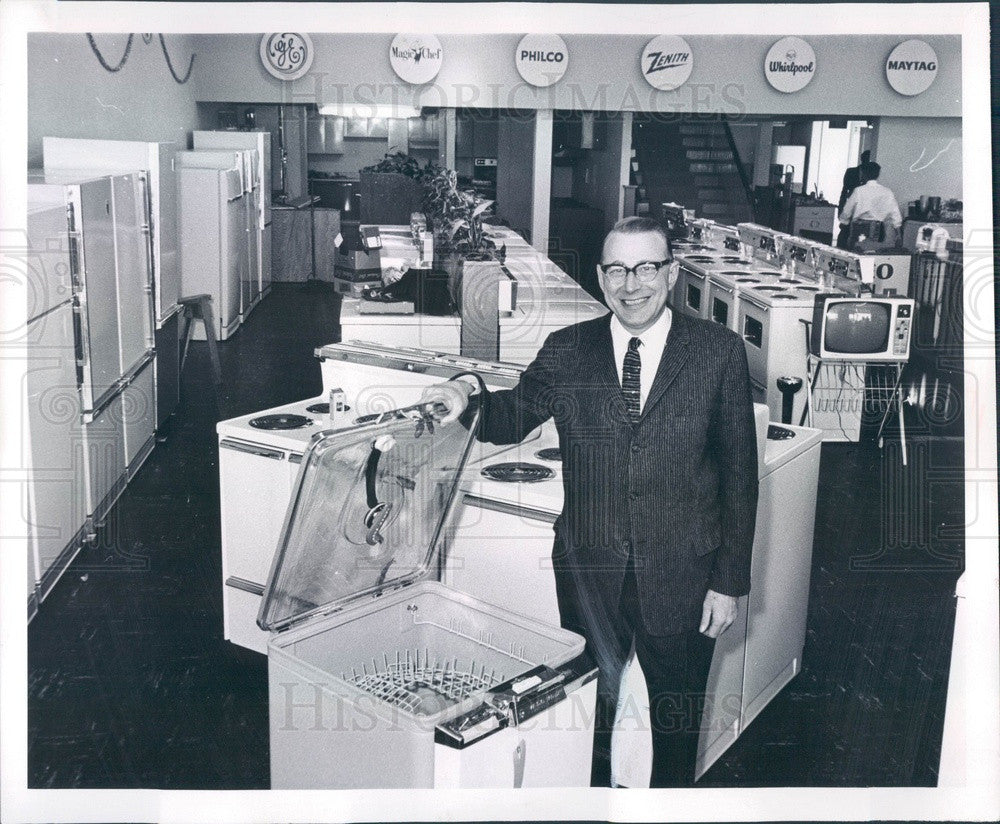 1959 Denver, CO Downing's Inc Appliance Store President Sam Bloom Press Photo - Historic Images
