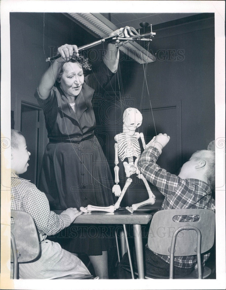 1959 Entertainer Mrs Harold Linsley & Marionettes Press Photo - Historic Images