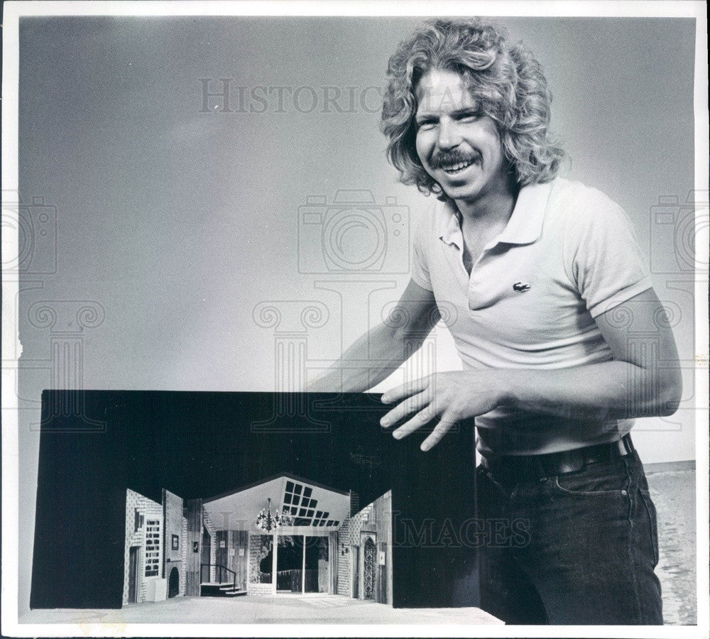 1977 Denver, Colorado Elitch Theatre Set Designer Phillip Gilliam Press Photo - Historic Images