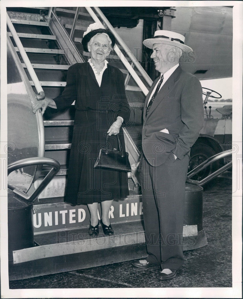 1952 Denver, Colorado Tram Co President WA Alexander & Mother Press Photo - Historic Images