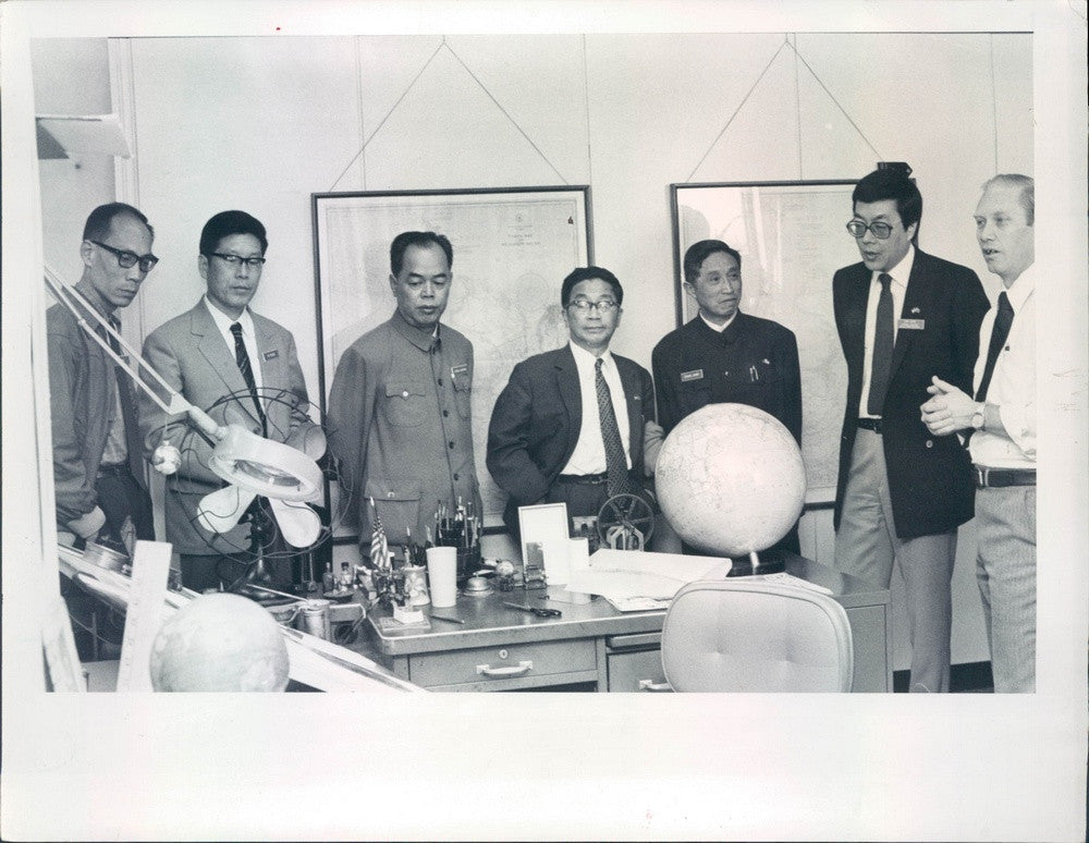1982 Chinese Journalists & St Petersburg, Florida Times Independent Press Photo - Historic Images