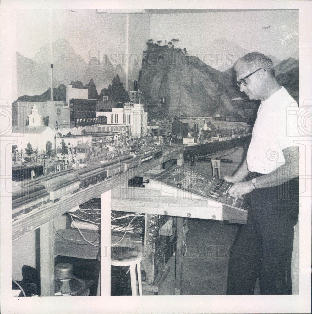 1968 St Petersburg, Florida Russel Schwartz & Model Train Layout Press Photo - Historic Images