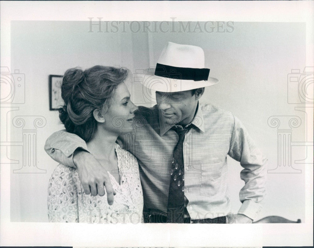 1981 Actors Stephen Collins & Lindsay Crouse Press Photo - Historic Images