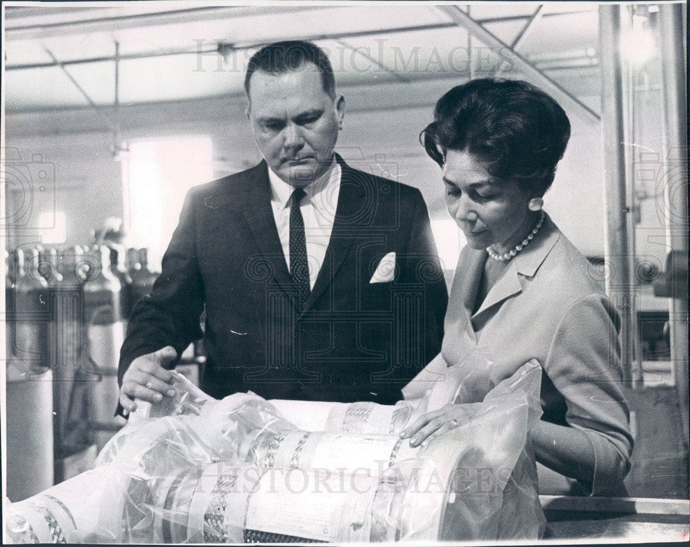 1961 Denver, Colorado Thermo Tech Inc Owners Vernon & Winnie Hines Press Photo - Historic Images
