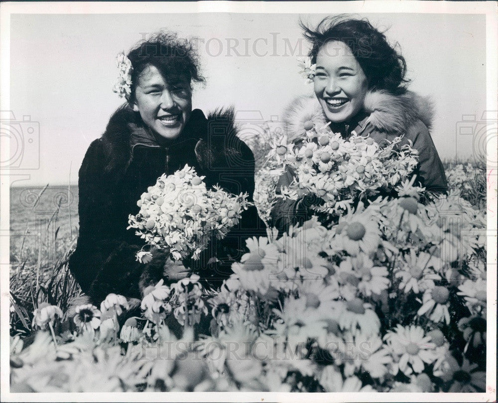 1959 Alaskan Eskimos Mamie Wilson & Ione Taylor Press Photo - Historic Images