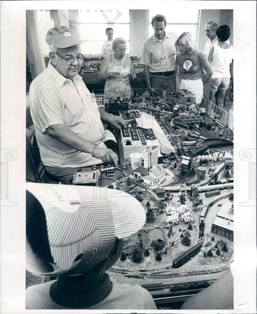 1982 St Petersburg, Florida, Model Railroad Show at H&R Trains Inc Press Photo - Historic Images