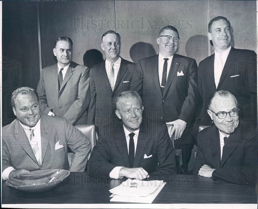 1962 Frontier Air Lines President Lewis Dymond & Directors Press Photo - Historic Images