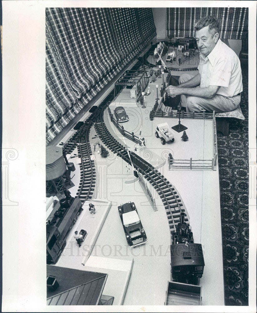 1979 St Petersburg, Florida Model Train Enthusiast Carl Lawrence Press Photo - Historic Images