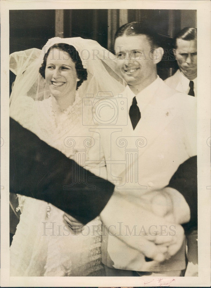 Undated San Antonio, Texas Wrong Way Flyer Douglas Corrigan & Bride Press Photo - Historic Images