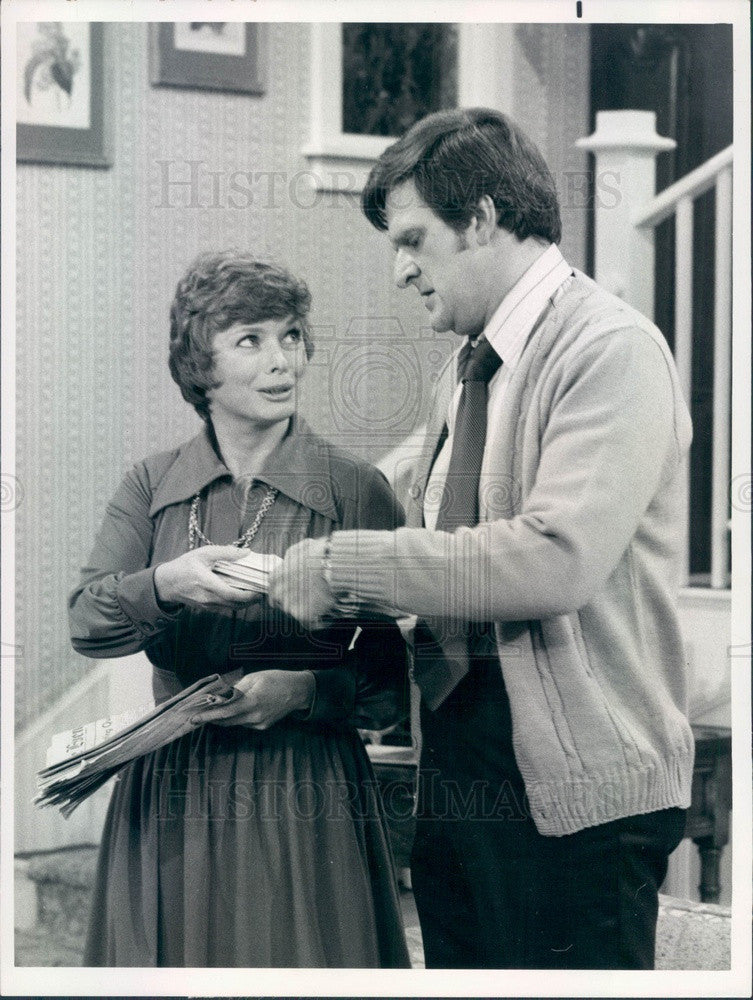 1975 Actors Aneta Corsaut & Kenneth Mars on TV Show Full House Press Photo - Historic Images
