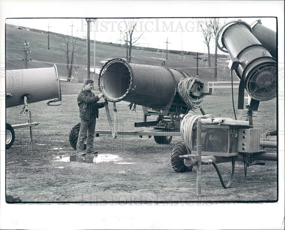 1982 Michigan, Mt Brighton Snow Making Equipment Press Photo - Historic Images