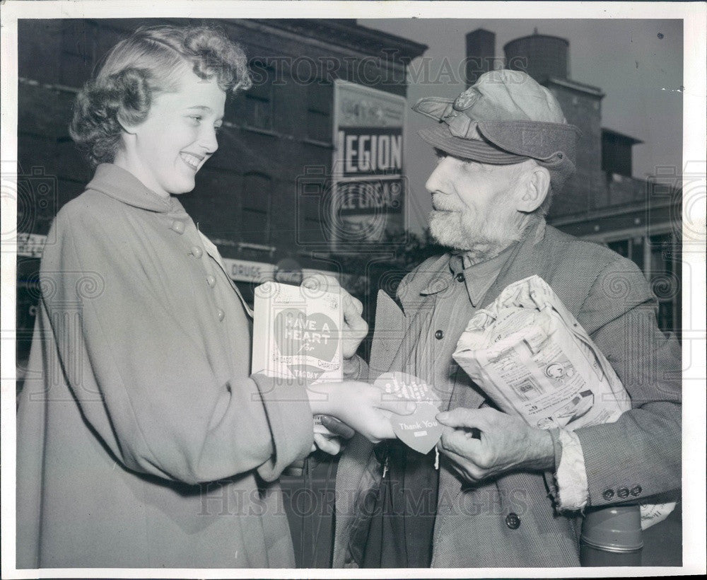 1952 Chicago, IL Have a Heart Tag Day Volunteer Mary Ann Fundarek Press Photo - Historic Images