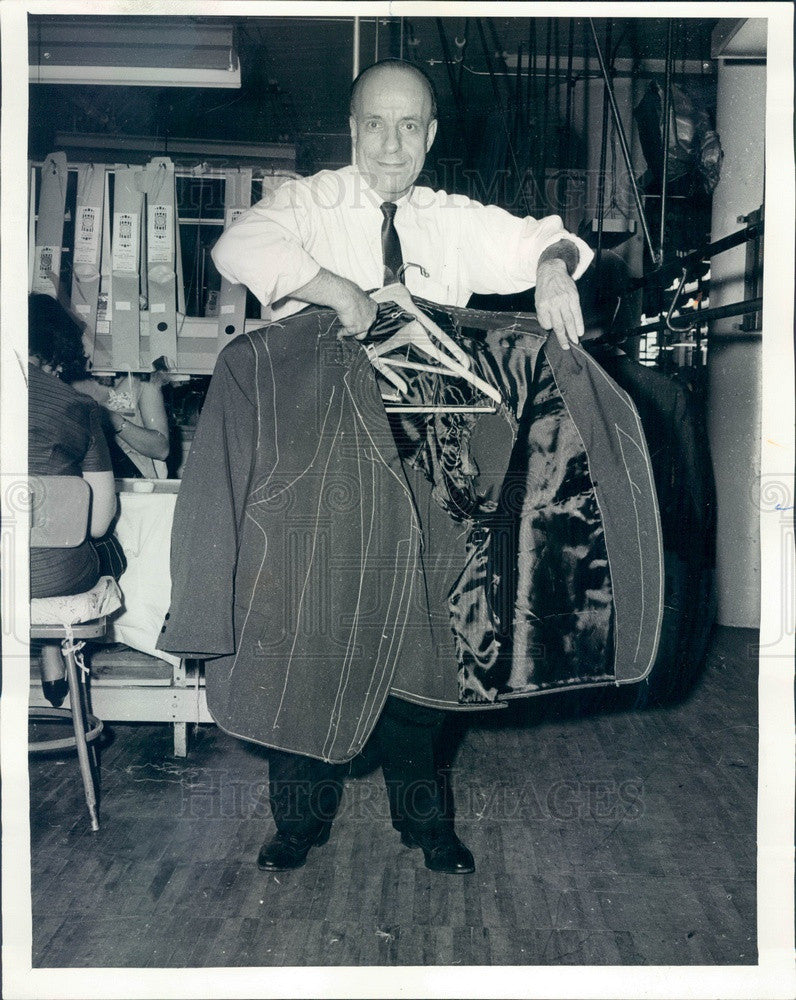 1964 Chicago, IL Hart, Schaffner & Marx Tailor Makes King Size Suit Press Photo - Historic Images
