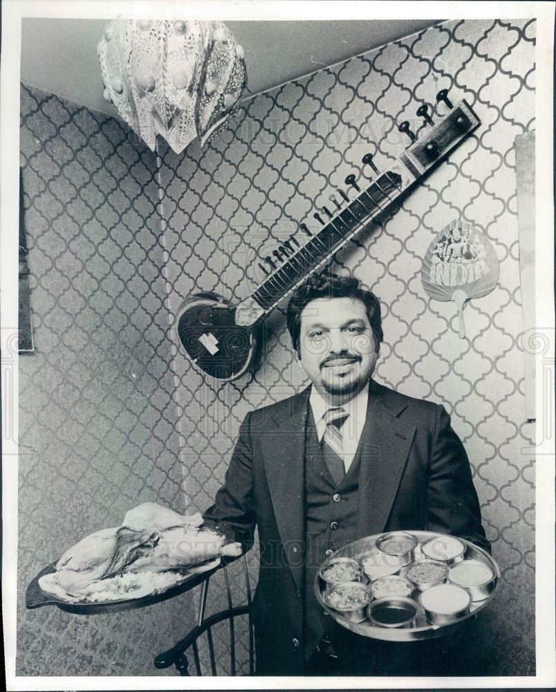 1978 Chicago, Illinois Taj Mahal Restaurant Owner Barry Irani Press Photo - Historic Images