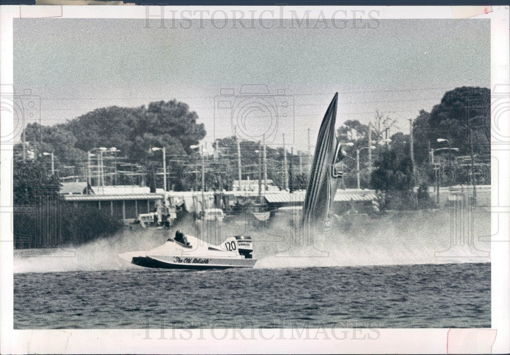 1981 St Petersburg, FL Suncoast Powerboat Regatta, Bill Hunt Flips Press Photo - Historic Images