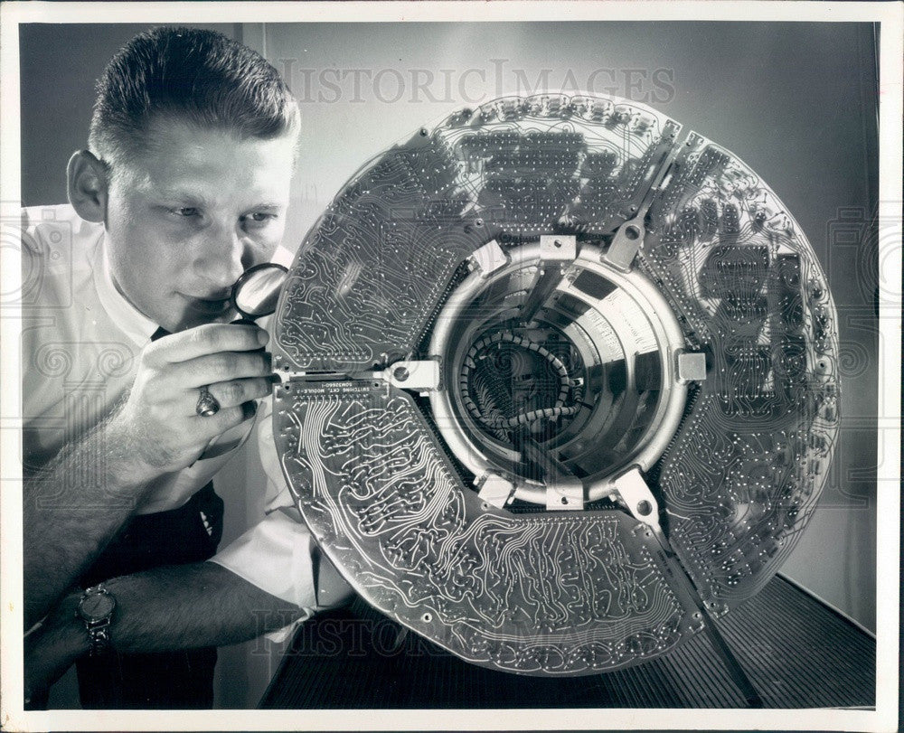 1969 St Pete, FL Electronic Communications Inc Apollo Flight Control Press Photo - Historic Images