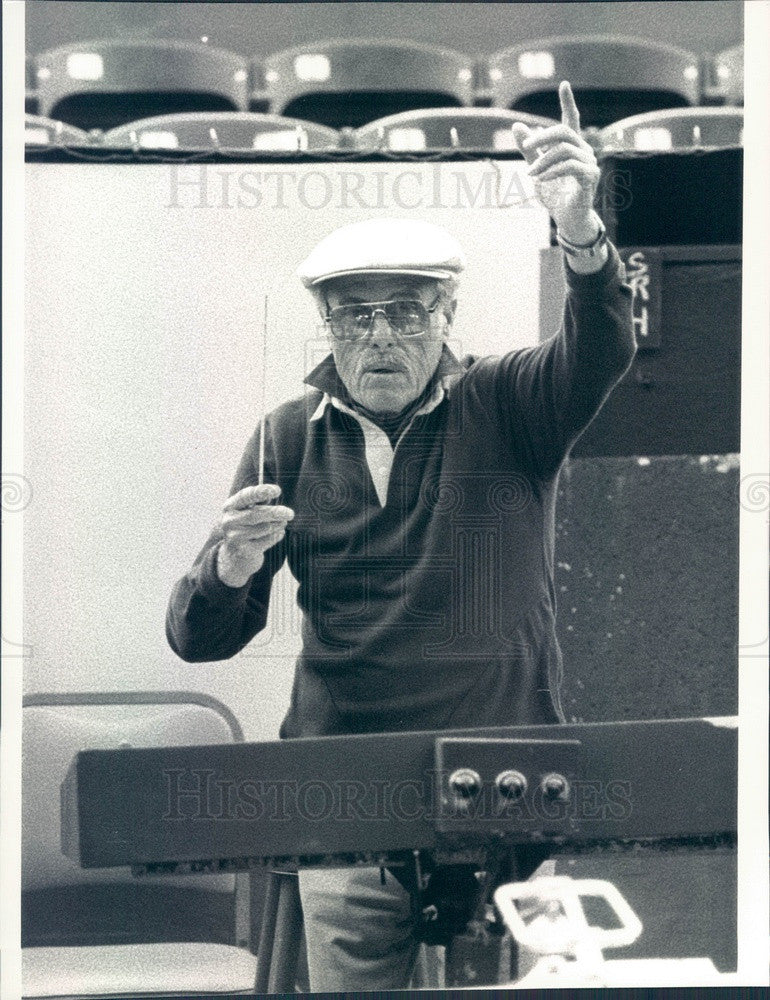 1986 San Diego, CA Conductor Milton Greene Press Photo - Historic Images