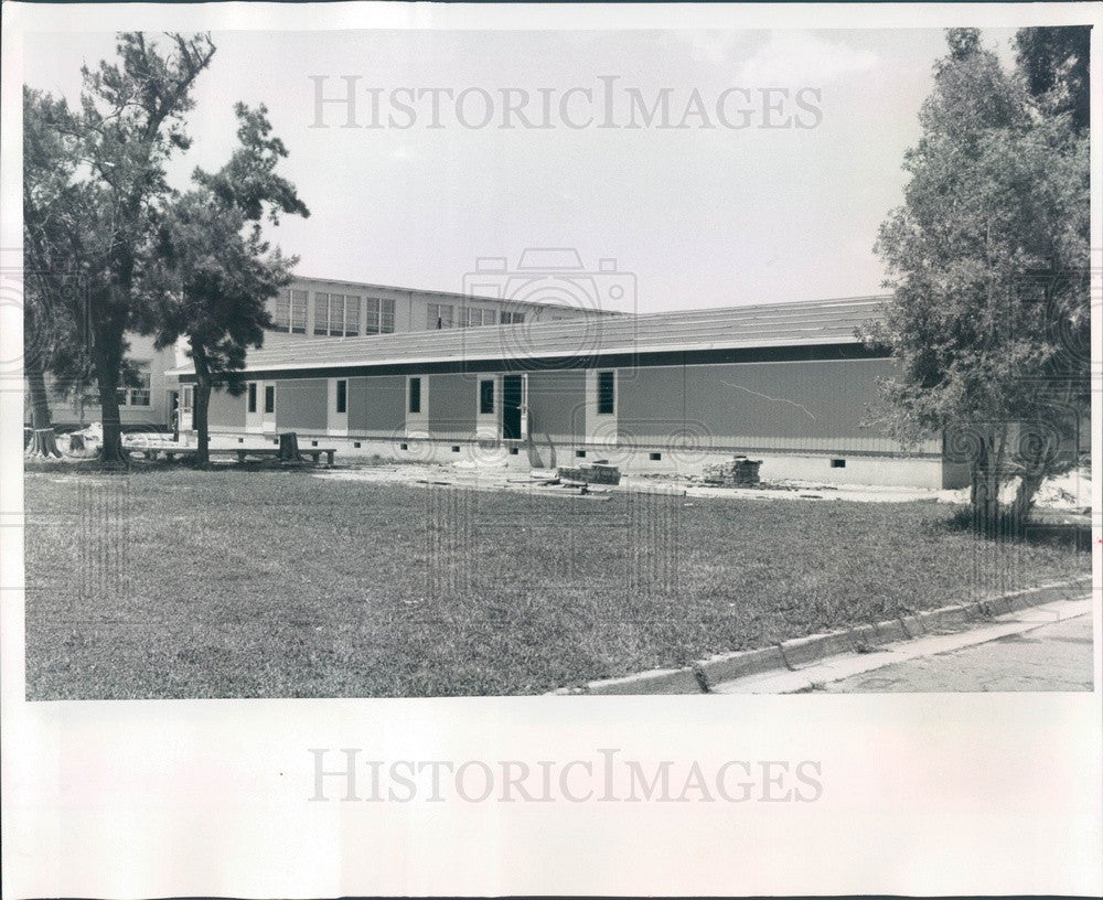 1969 Sarasota County, FL Pre-Fab Portable Classrooms Going Up Press Photo - Historic Images