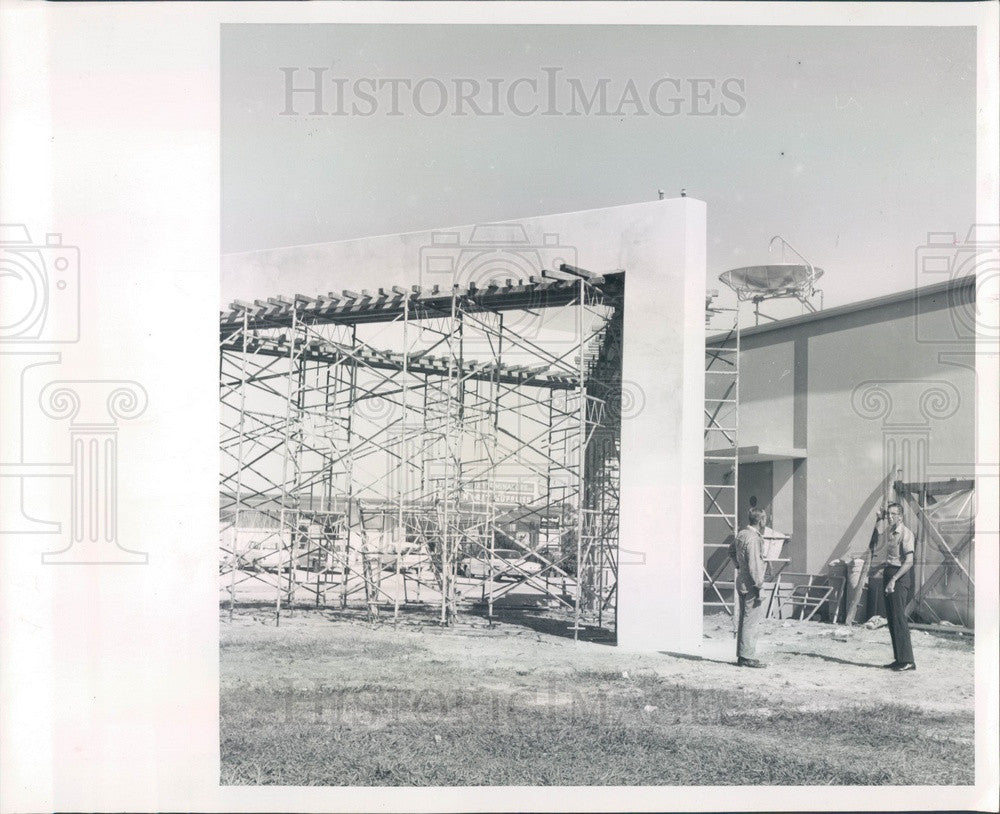 1962 Port Charlotte, FL Inter-County Telephone Tower Construction Press Photo - Historic Images