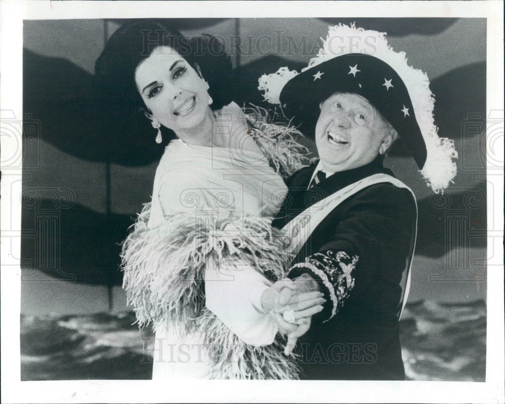 1984 Hollywood Actors Ann Miller & Mickey Rooney in Sugar Babies Press Photo - Historic Images