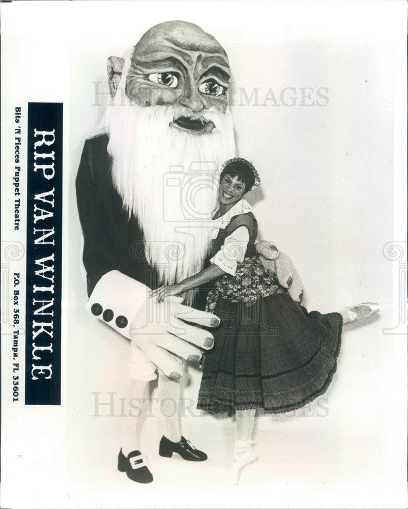 1986 Tampa, Florida Bits 'N Pieces Puppet Theater, Rip Van Winkle Press Photo - Historic Images