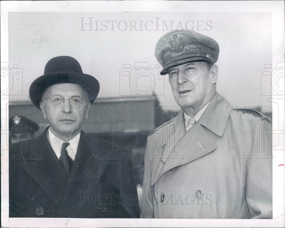 1949 US General Douglas MacArthur & Detroit Banker Joseph Dodge Press Photo - Historic Images