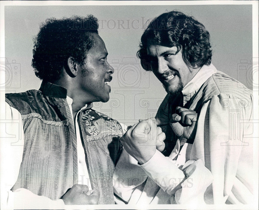 1975 Actors Bill Brown & James Murphy of Travel Light Theatre Co Press Photo - Historic Images