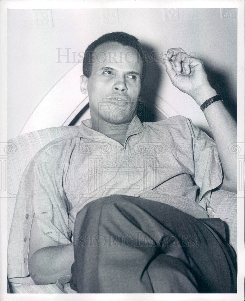 1962 American Singer/Actor Harry Belafonte Press Photo - Historic Images