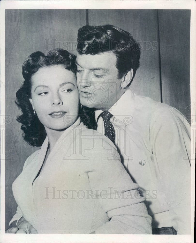1956 Hollywood Actors Kasey Rogers & William Campbell in Millionaire Press Photo - Historic Images