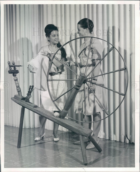 1965 Carbondale, IL Southern Illinois Univ Museum Spinning Wheel Press Photo - Historic Images