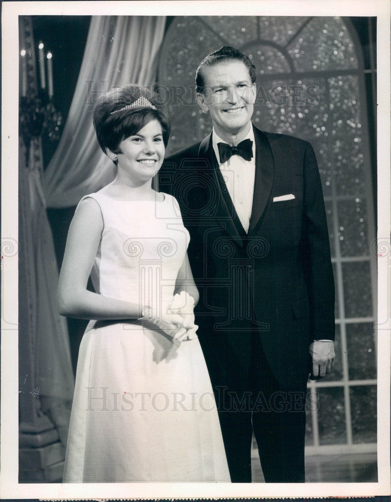 1965 Miss Teenage America Carolyn Mignini & Host Bud Collyer Press Photo - Historic Images